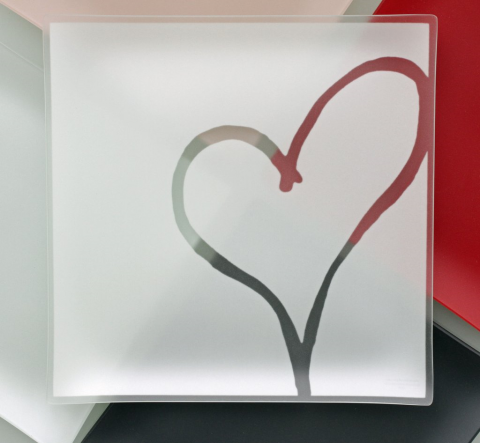 "Riverside Design 13"" Heart Plates With Purpose"
