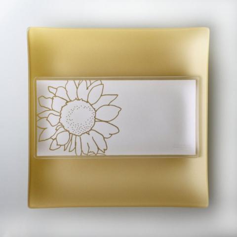 Riverside Design 5x10 Sunflower Plates with Purpose
