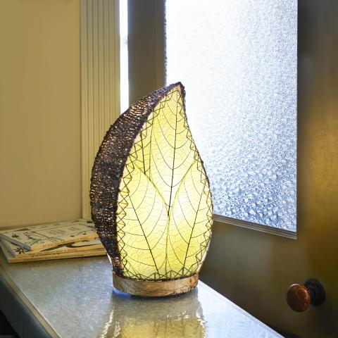 Eangee Leaflet Decorative Table Lamp