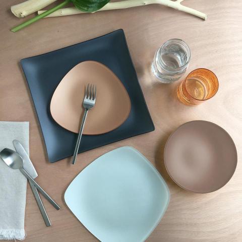 Riverside Design SeaGlass Dinnerware Set of four pieces