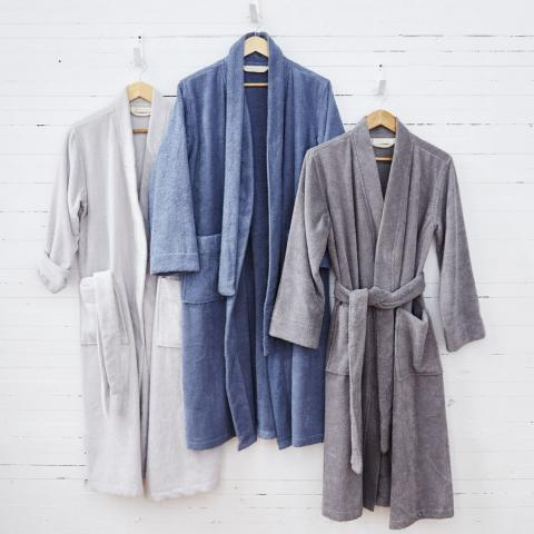 Coyuchi Air Weight Robe