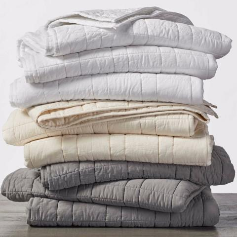 sateen_double_stitch_comforter_multi_stack_soft_light_pdp_1_1.jpg