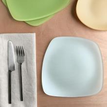 RIVERSIDE DESIGN DINNERWARE SET OF 4 SEAGLASS PLATES